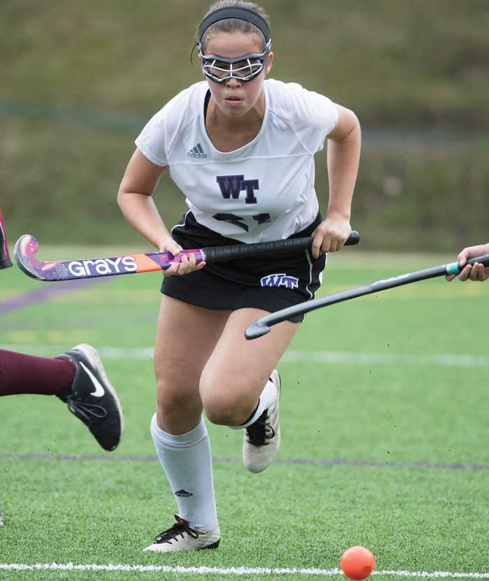 Field-Hockey-Elizabeth-Stenson-CROP