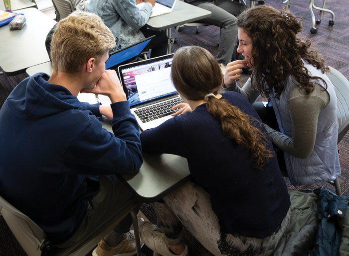 Students share computer